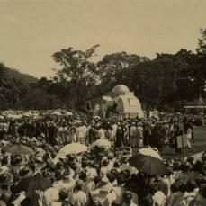 Kaayaan ngaresmikeun monumen Lingga dina taun 1921-an