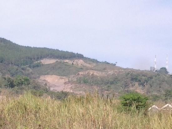 Galian keusik di lamping Gunung Tampomas