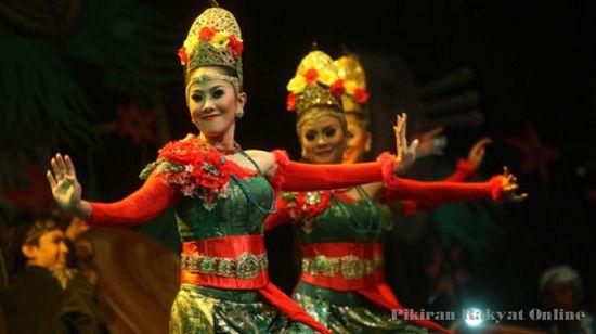 Salasahiji pintonan dina raraga mieling saabad Paguyuban Pasundan di Sabuga Bandung