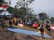 Sababaraha urang atlet keur nungguan giliran ngapung