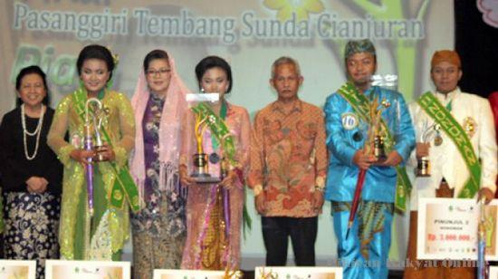 Pasanggiri Tembang Sunda Cianjuran Piala Ida Widawati 2013