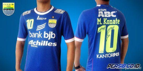 Aya Gambar Kujang dina Kaos Pérsib Bandung