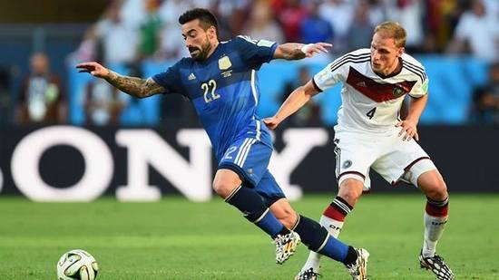 Tatandang undakan final antara tim Jerman ngalawan tim Argentina