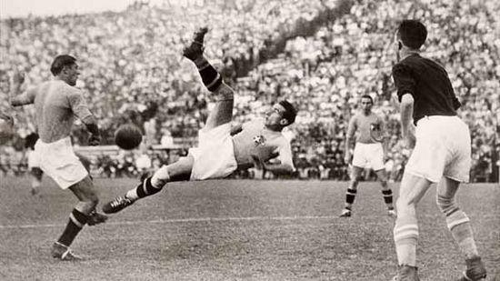 Tatandang anu campuh di undakan final antara tim Itali ngalawan tim Cekoslowakia