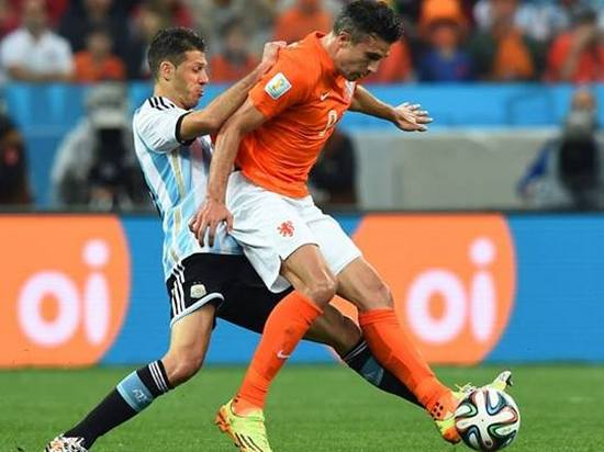 Tatandang tim Argentina ngalawan tim Walanda