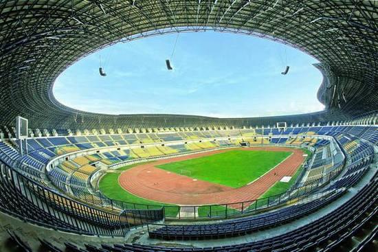 Stadion Gelora Bandung Lautan Api, salasahiji tempat tatandang PON XIX 2016