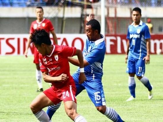 Persib Bandung ngalawan Lao Toyota FC