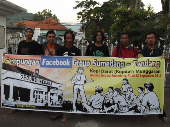 Patepung lawung, paamprok jonghok munggaran grup pesbuk Sumedang Tandang di Museum Prabu Geusan Ulun