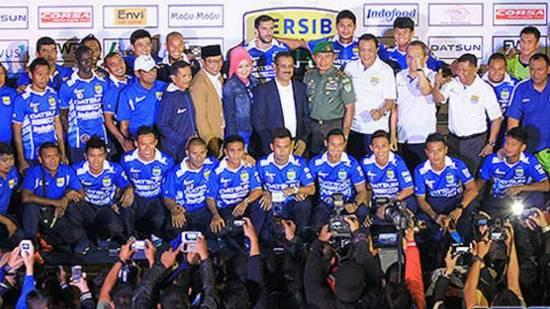 Tim Pérsib Bandung Reuntas di Tengah Jalan
