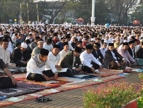 Jalma-jalma keur rengse solat 'Idul Fitri