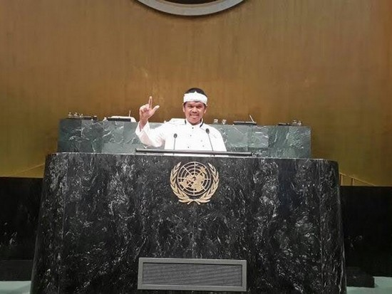Pa Dedi Mulyadi, salaku Bupati Purwakarta nalika biantara di gedong PBB