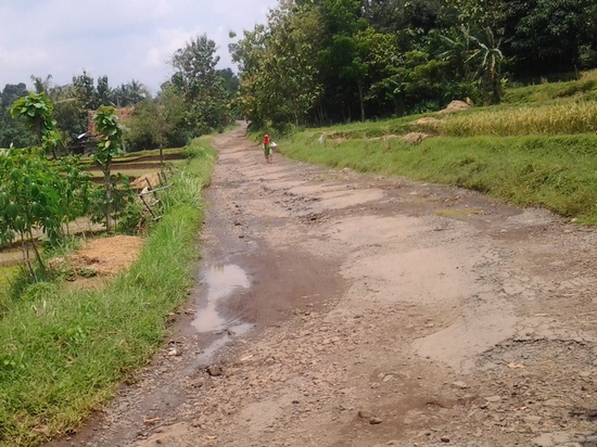 Jalan ka Jatigede ngaliwatan Wado - Jemah