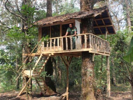 Wisata Alam Rumah Pohon di Désa Cijambu