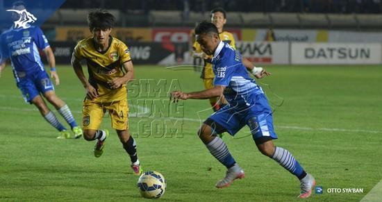 Tatandang antara Persib Bandung ngalawan Mitra Kukar