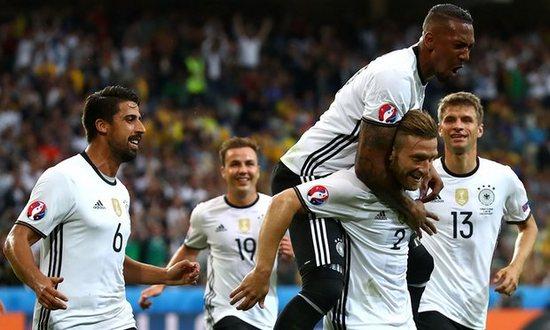 Jerman ngelehkeun Slowakia