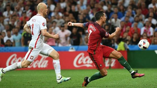 Tatandang antara Portugal ngalawan Polandia dina undakan parapatfinal Piala Eropa 2016
