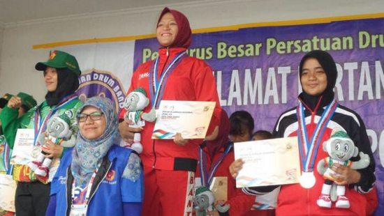 Medali emas munggaran anu dibeunangkeun ku atlet Banten dina cabor Drum Band